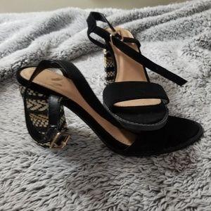 Report Heels